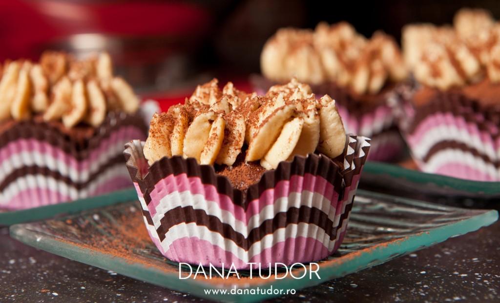 C5D22375_Cupcakes_Tiramisu_1080w