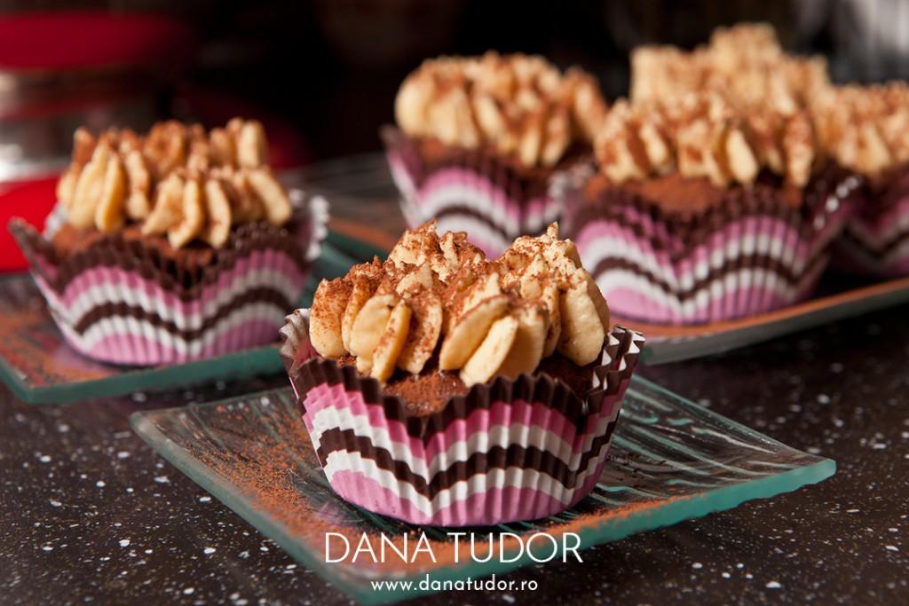 C5D22376_Cupcakes_Tiramisu_1080w
