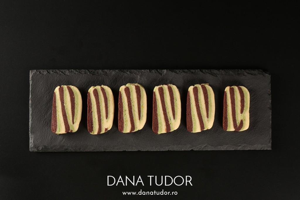 Biscuiti in straturi cu unt si trei arome