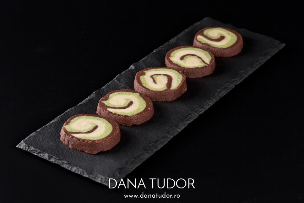 Biscuiti spiralati cu unt si trei arome