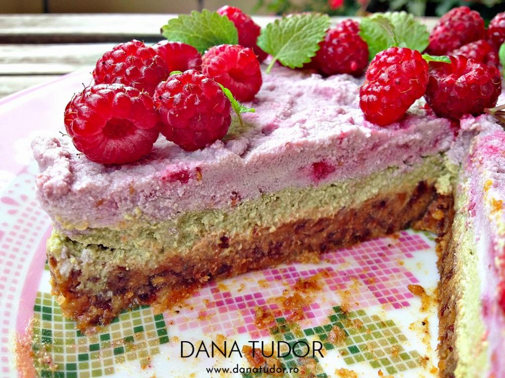 Tortulet raw vegan cu menta si zmeura