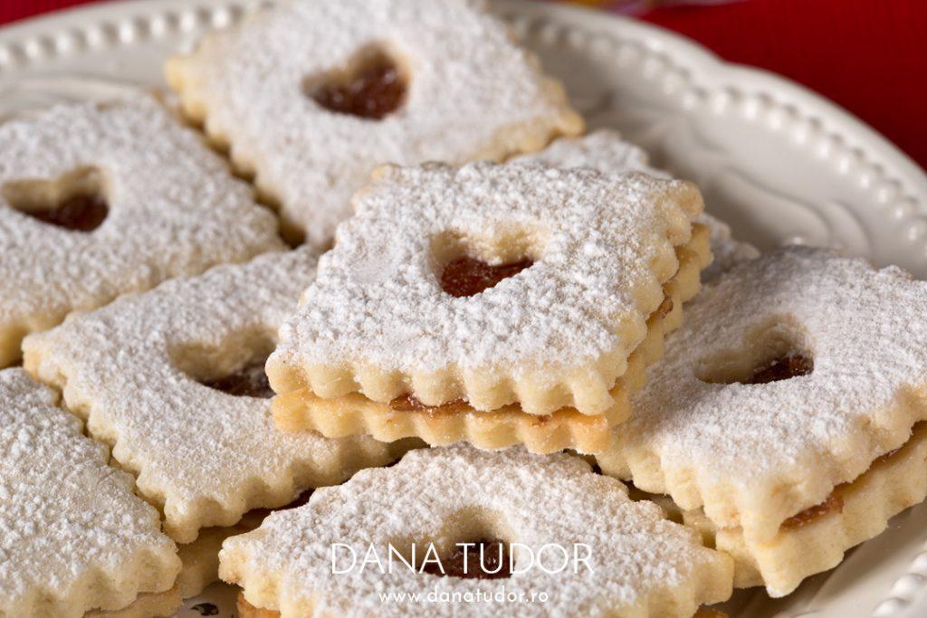Biscuiti Linzer cu gem de gutui