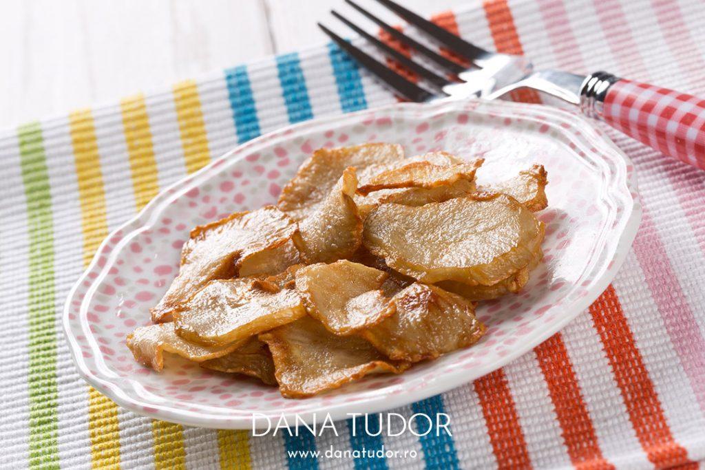 Crema de topinambur, morcovi si chipsuri
