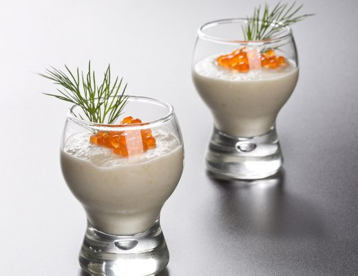 Crema de topinambur, pastarnac si caviar rosu